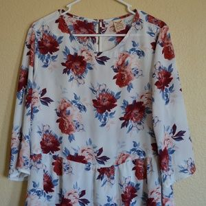 Faded Glory Tops - Floral swoop neck floral blouse